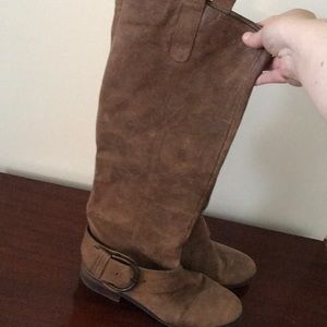 New Direction brown leather pull-on boots